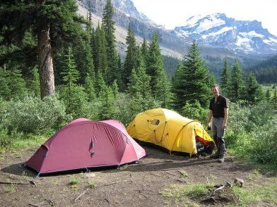 800px-Camping_at_Merlin_Meadows_-_Flickr_-_Graham_Grinner_Lewis